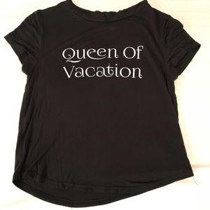 H&M Queen of Vacation cropped top.
